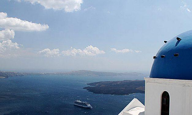 L'isola di Santorini vista dai nostri blogger