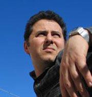 Kostis Dertouziadis: Graphic e Web Designer