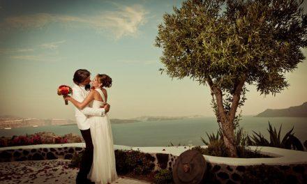 Viaggio di nozze a Santorini: l'isola vista con quattro occhi