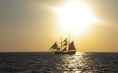 Non solo Santorini: Salpiamo insieme per un tour nelle isole vicine (Mykonos, Paros, Naxos, Ios)
