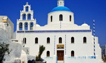 Santorini spirituale: le chiese e i monasteri nel mirino dei fotografi di tutto il mondo