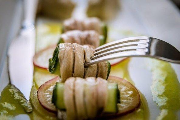 dove mangiare a perissa specialità greca a base di alici e zucchine